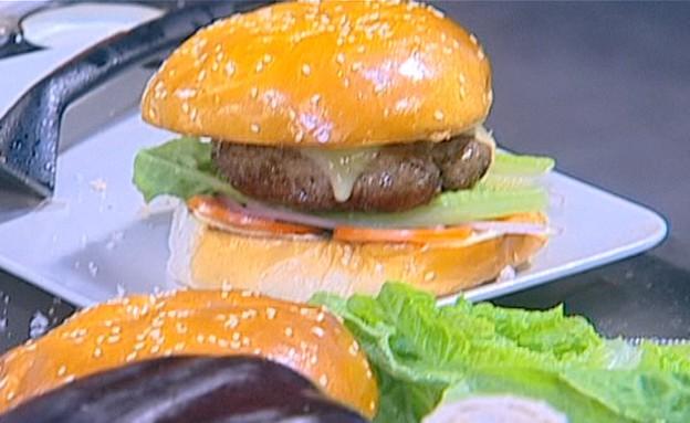 ההמבורגר של איתן סולומון (תמונת AVI: mako)