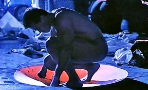 שוורצנגר שליחות קטלנית (צילום: צילום מסך מתוך youtube)