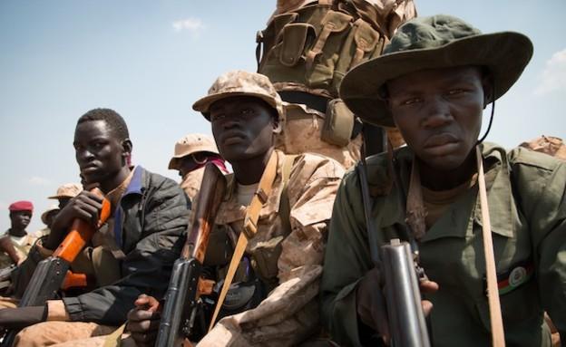 חיילים בדרום סודן (צילום: פיל קולר)