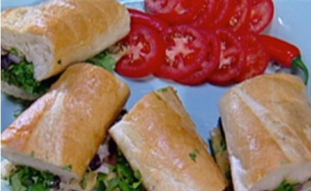 סנדוויץ' פורטוגלי עם סרדינים של צילה עופר (תמונת AVI: mako)