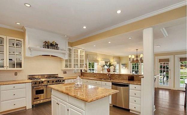 בתי סלבס, ג'ימי פאלון מטבח (צילום: www.zillow.com)