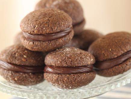 עוגיות סנדוויץ' שוקולד (צילום: חן שוקרון, אוכל טוב)