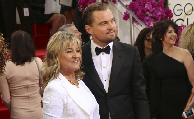 ליאונרדו דיקפריו ואמא בגלובוס הזהב (צילום: Splash News, Splash news)