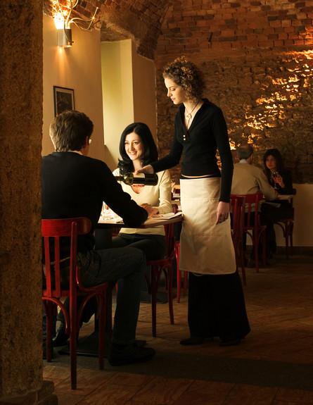 עושק במסעדות (צילום: אימג'בנק / Thinkstock)