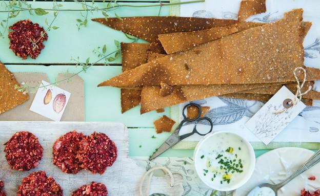קרקר שקדים (צילום: עודד מרום, על השולחן)
