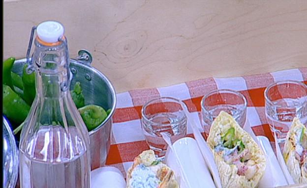 סנדוויץ' ברבוניות של בועז צרפתי (תמונת AVI: mako)