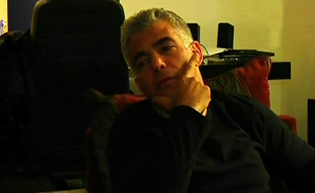 מסכמים שנה במרתף של לפיד (צילום: חדשות 2)