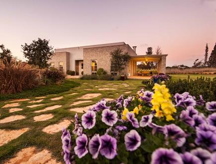 גינות, מיה חצר פרחים, צילום גלעד רדט