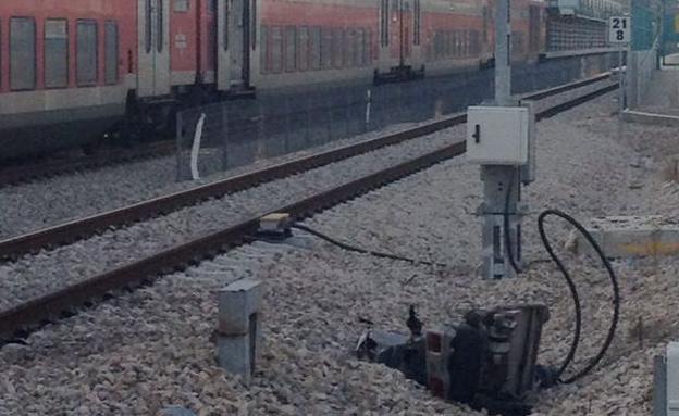 זירת התאונה, היום (צילום: מוניס אל זחאלקה)