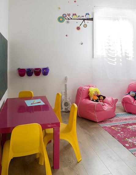 עירית צוקר, חדר ילדים שולחן גובה