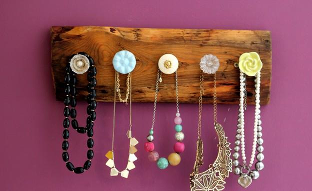 מתלה, תכשיטים רוחב (צילום: לירון גונן)