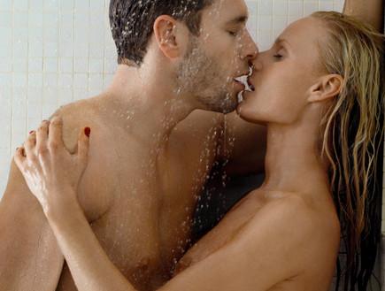 סקס במקלחת