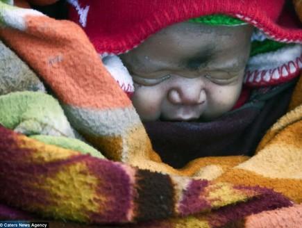 צעדה ימים כדי ללדת תינוק