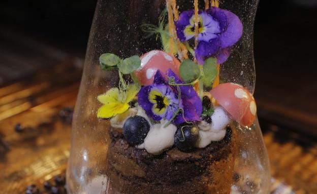 אגרטל הפרחים (צילום: דניאל בר און)