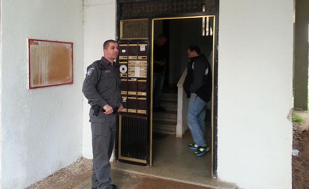 מעצרו של הנאשם לאחר המעשה (צילום: עזרי עמרם, חדשות 2)