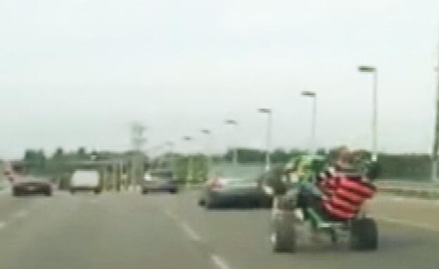 בלי בושה: הנהג השתולל מול המשטרה