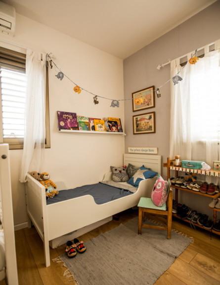 שיפוץ הלל אדריכלות, חדר ילדים מיטת מעבר גובה (צילום: לירן שמש)