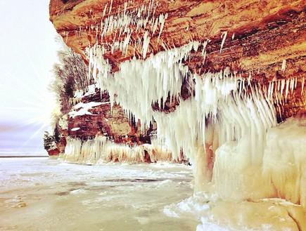 נטיפים לבנים, מערת הקרח בויסקונסין