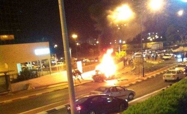 פיצוץ מטען ברכב, ארכיון (צילום: אביחי קקון)