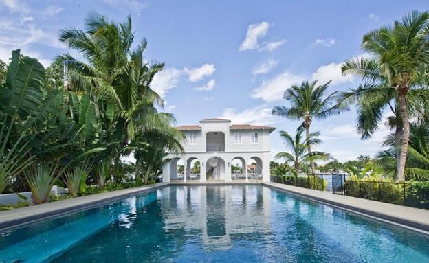 הבית של אל קפונה, חוץ בריכה כללי (צילום: victoraffaro.com)