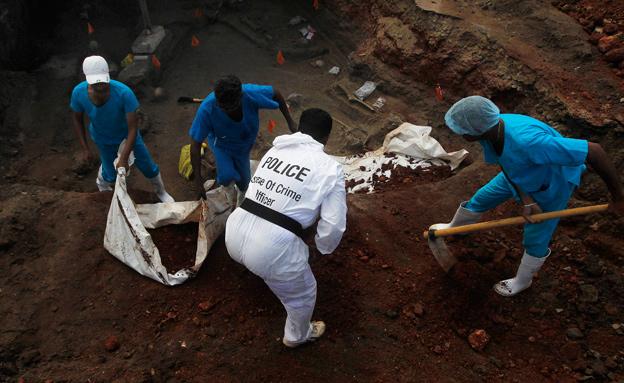 הקבר שנחשף (צילום: רויטרס)