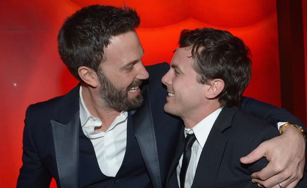 גברים מתחבקים - ולנטיין דיי (צילום: Michael Buckner, GettyImages IL)
