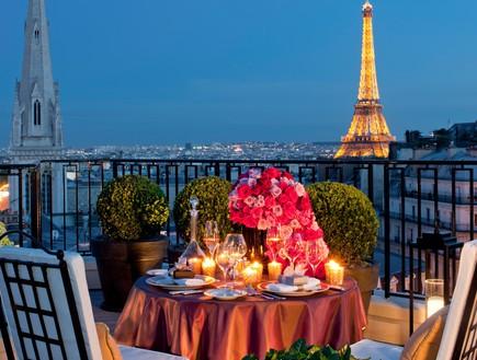 פור סיזן פריז, הסוויטות הרומנטיות