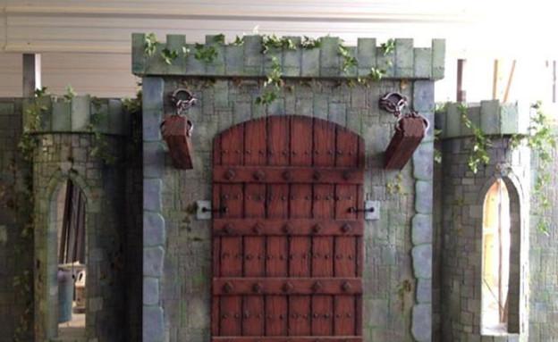 מיטת טירה, דלת (צילום: etsy.com)