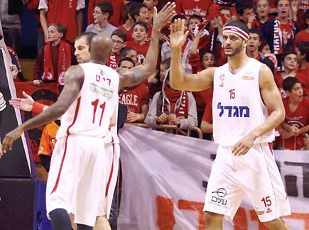 צפו בניצחון ירושלים (אלן שיבר) (צילום: ספורט 5)