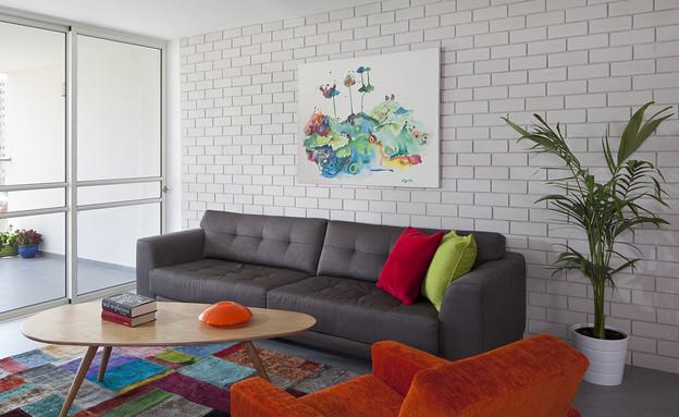 שדרוג בצבע, שטיח, עיצוב פנים ואדריכלות שירלי נחמה. (צילום: שי אפשטיין)