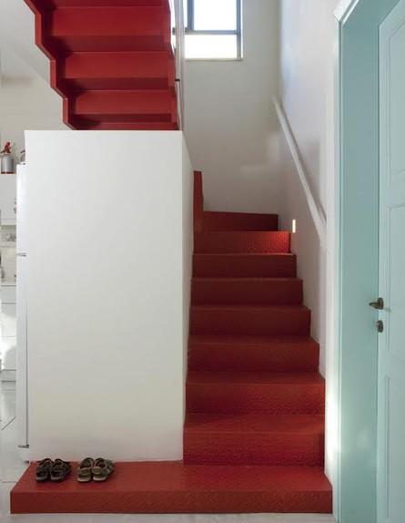 אביטל לור, מדרגות גובה