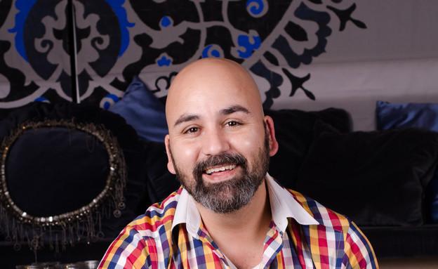 שי טובול, נתחי אנטרקוט עם מח עצם וארטישוק ירושלמי (צילום: יפית בשבקין, אוכל טוב)