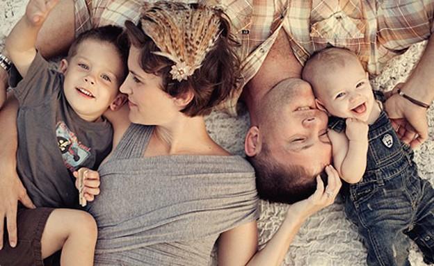 תמונות משפחה - אבא אמא תינוק (צילום: babble)