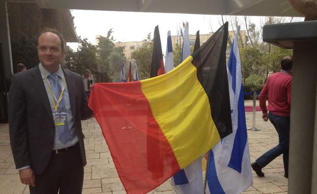 דגל בלגיה בבית הנשיא (צילום: מתוך הטוויטר של Thomas Walde)