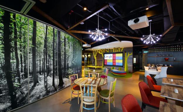 משרדי גוגל חדש, קיר עצים (צילום: indesignlive.sg)