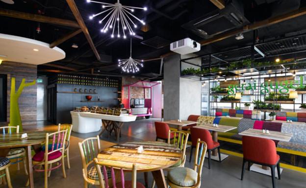משרדי גוגל חדש, שולחנות (צילום: indesignlive.sg)