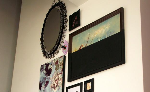 קיר תמונות, דרמטי בשחור (צילום: לירון גונן)