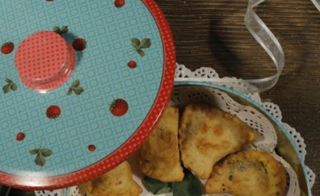 סהרונים מטוגנים במלית גבינה של נוף עתמאנה איסמעיל (צילום: דניאל בר און)
