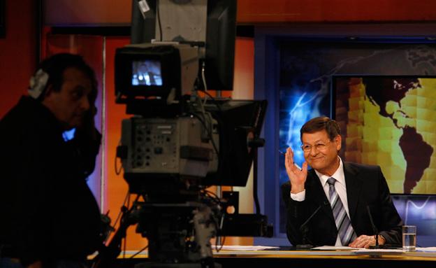 חיים יבין באולפן ערוץ 1 (צילום: פלאש 90, מיכל פתאל)