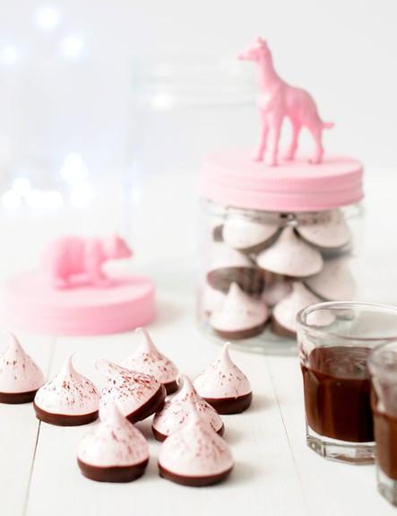 משלוח מנות של מיס פטל - פאדג' שוקולד לבן ותותים (צילום: שרית נובק, Misspetel)