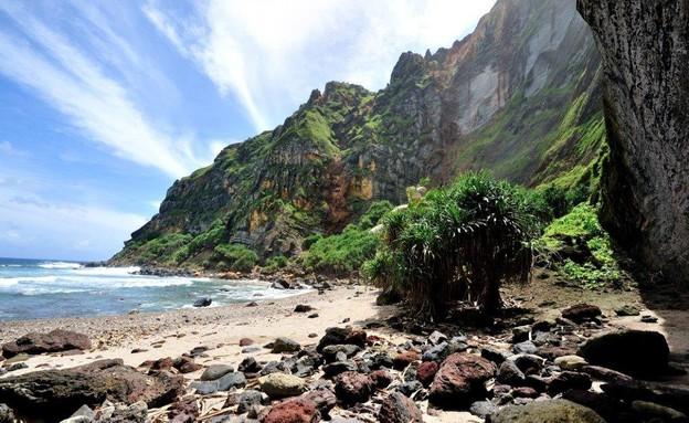 חוף מקרוב, אי 48 (צילום: Tony Probst)