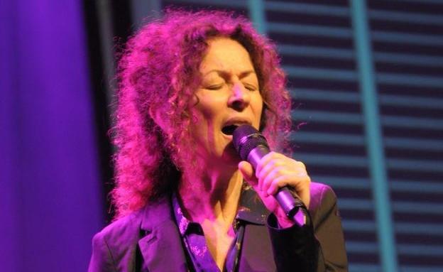 מופע משירי דליה רביקוביץ' (צילום: טל קירשנבאום)
