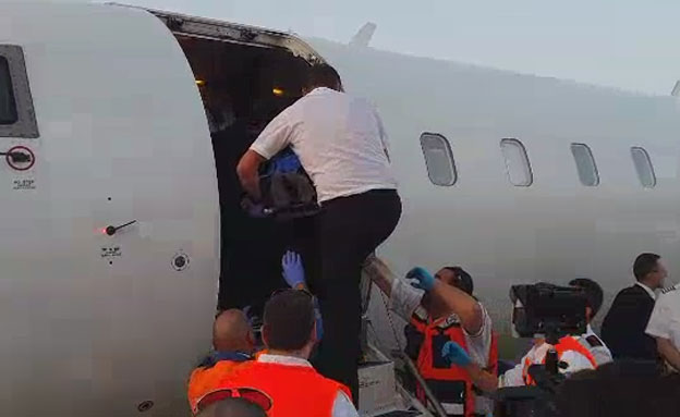 9 פצועים מאוקראינה נחתו בישראל (צילום: דוברות רשות שדות התעופה)