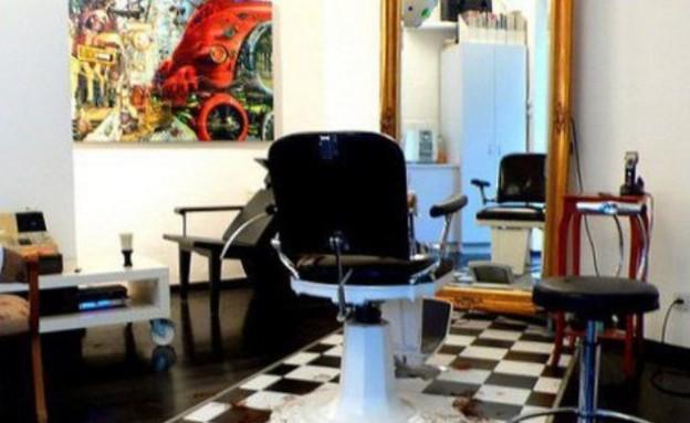 מספרות בארץ, דויד ויטוריו כיסא, צילום דויד ויטוריו (צילום:  דויד ויטוריו )
