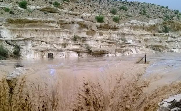 צפו: שיטפונות באזור ים המלח (צילום: גולן גב, יחידת חילוץ הר הנגב)