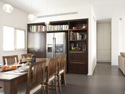 דירת רווקים, פינת אוכל במטבח, Studio ES, Dirat Roni Avitzour (4)