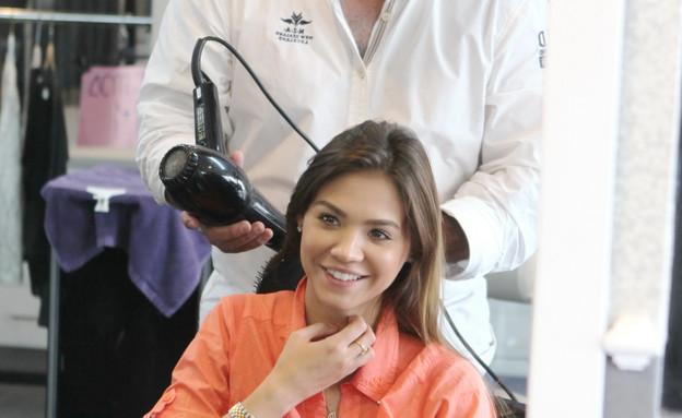 רוסלנה רודינה מסתפרת (צילום: ראובן שניידר ,  יחסי ציבור )