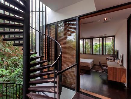 בית חלומות סינגפור, מדרגות