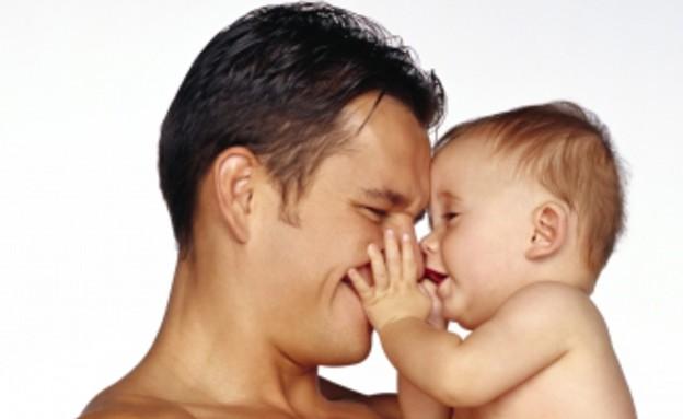 פונדקאות הומו גבר עם תינוק (צילום: Brand X Pictures, GettyImages IL)