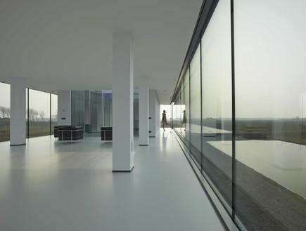 תחרות אדריכלים, וילה קוגלהוף, חלון